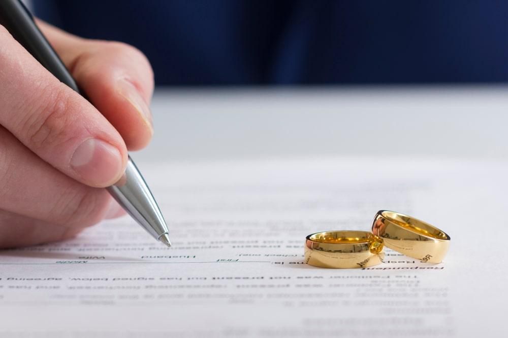 Rings on Divorce Paperwork